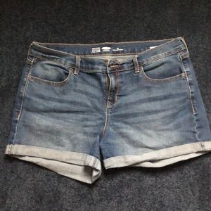 Old navy semi fitted jean shorts